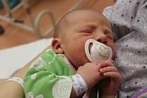 Adam Tikal z Klatov se narodil v klatovské porodnici 16. ledna v 1.45 hodin (3430 g, 50 cm). Pohlaví svého prvorozeného miminka si rodiče Marie a Lubomír nechali říct dopředu.