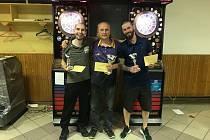 Společný snímek tří nejlepších mužů turnaje.