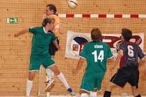 Ve svém úvodním prvoligovém vystoupení se futsalistům Tullamore Dew Klatovy na domácí palubovce sportovní haly v Čapkově ulici nepodařilo dát ani jeden gól. Ze dvou prvoligových zápasů tak klatovský nováček vyšel i bodově naprázdno.