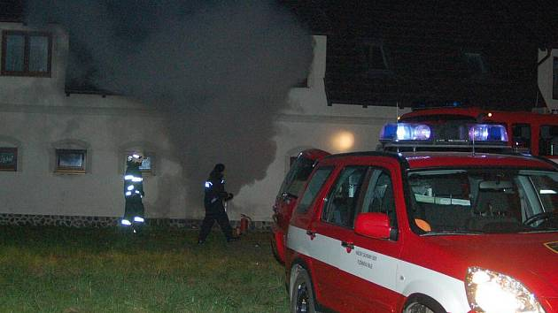 Požár objektu v Beňovech při němž uhořel člověk