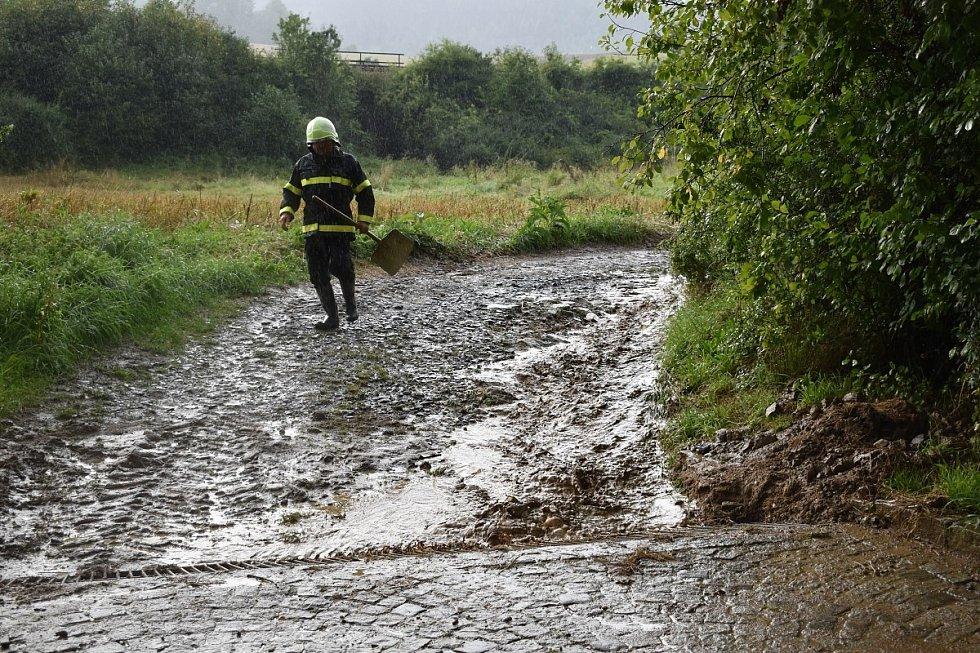 Bleskové povodně v Neznašovech.