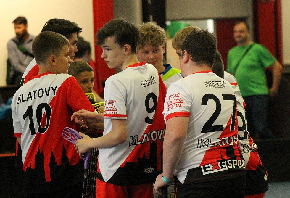 Pojď hrát florbal! Klub nabízí dětem turnaje, kempy i spoustu zábavy.