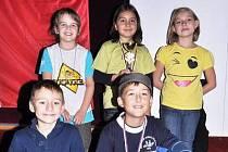 Na snímku jsou nahoře zleva: Silvie Matičková, Maryam Koucha, Eva Petrová, dole zleva: Max Schmidt, Tomáš Hurdzan.