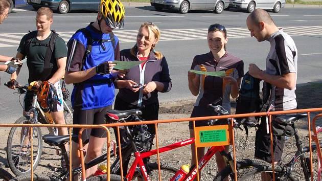 Na trať se vydala i spousta cyklistů.