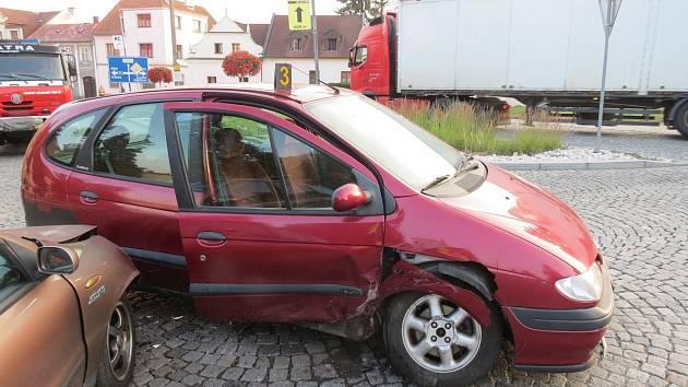 Nehoda dvou vozů v Sušici.