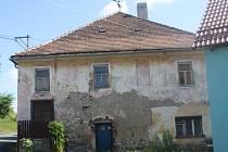 Bývalá židovská synagoga v Podmoklech.