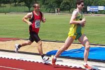 Tomáš Görner (vlevo) bodoval 2. místem v běhu 5000 m a  6. místem v běhu na 1500 m.