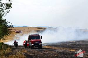 Rozsáhý požár mezi Mochtínem a Kocourovem na Klatovsku.