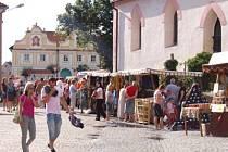 Kašperskohorská pouť, staročeský jarmark na náměstí.