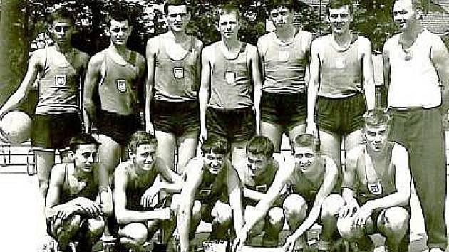 Miroslav Zberovský (vpravo) jako trenér klatovských dorostenců