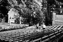 Historický snímek lesního kina