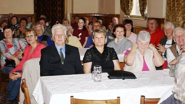 Setkání důchodců ve Velharticích 2015.