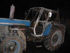 Hasiči ve středu likvidovali požár traktoru v Petrovicích u Sušice