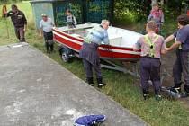 Hasiči a policisté pátrali po utonulém