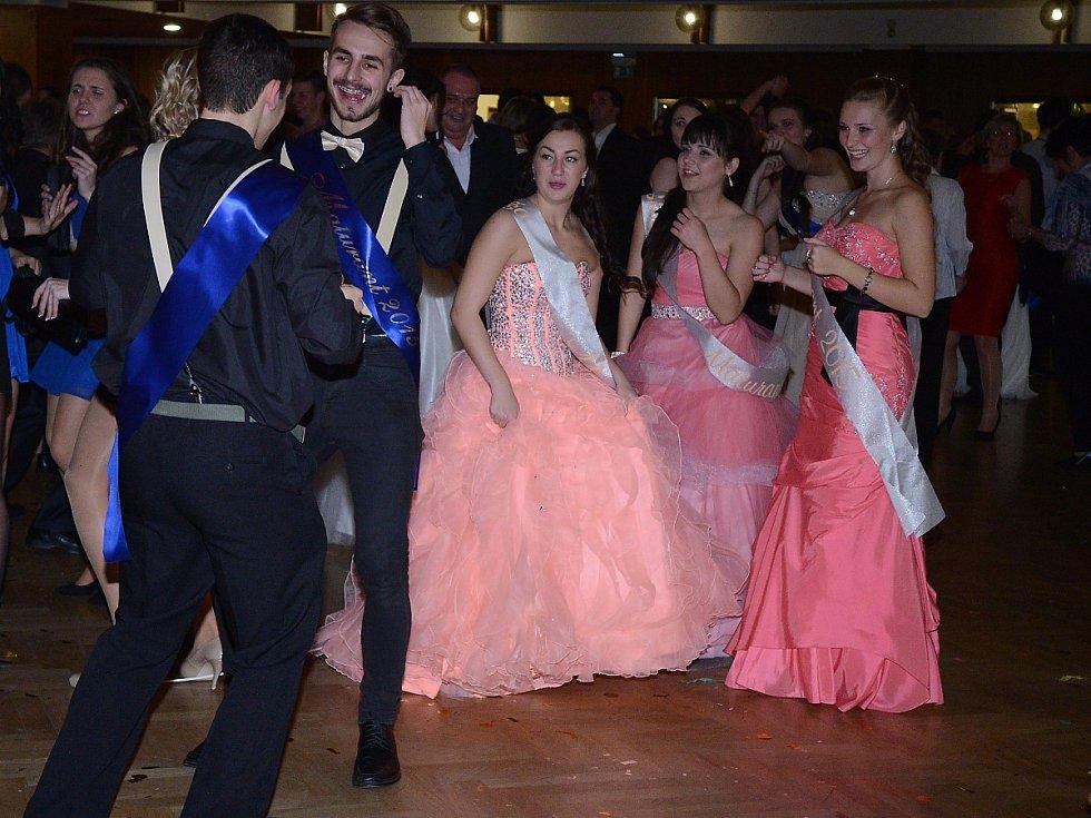 Maturitní ples Obchodní akademie Klatovy.