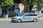 K mezinárodnímu dni sester přijeli popřát policisté a hasiči do Klatovské nemocnice.