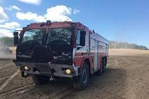Hasiči hasili požár u obce Sedlečko.