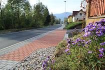 Hájkova ulice v Sušici před a po rekonstrukci.
