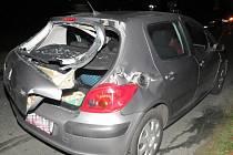 Nehoda vlaku a auta u Hrádku.