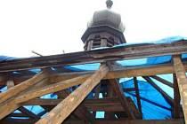 Krov, krytina a klempířské práce jsou náplní první etapy kompletní rekonstrukce kaple v Mileticích.