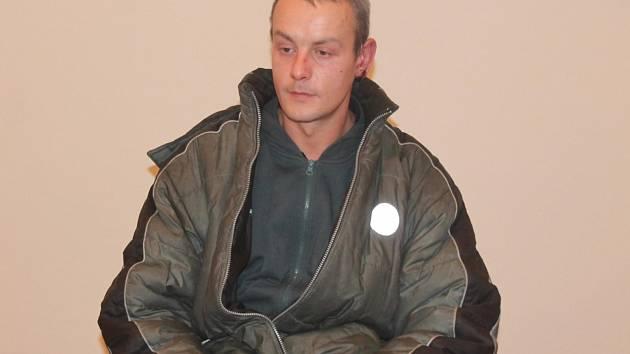 Bezdomovec Milan Stoček u klatovského soudu
