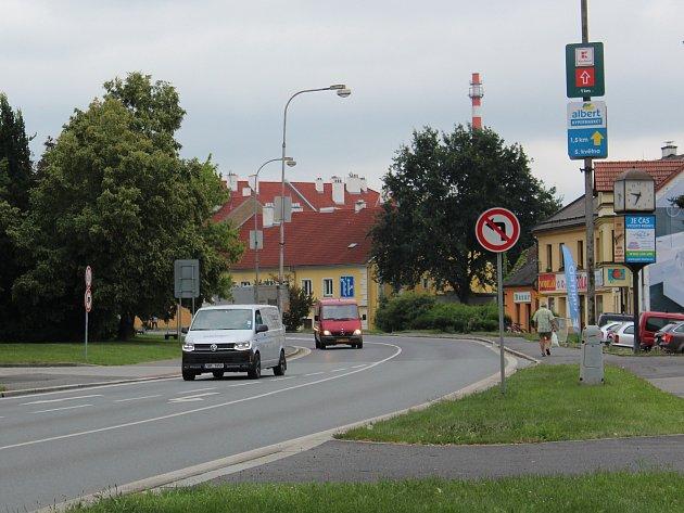 Tyršova ulice v Klatovech, která se bude opravovat.