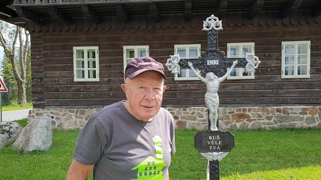Emil Kintzl o nového křížku.