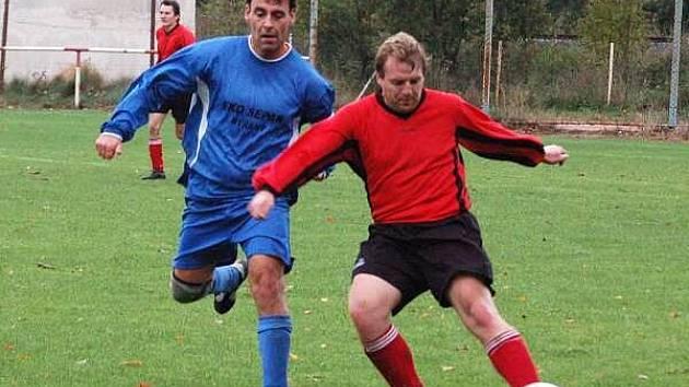Fotbalové utkání Luby (červené dresy) - Nýřany