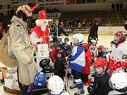 Klatovskou hokejovou základnu navštívili čerti, Mikulášové a andělé
