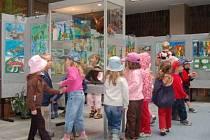 Zahájení výstavy My a příroda se konalo v atriu KD Družba v Klatovech