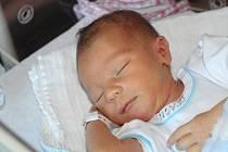 Tomáš Mrázek z Pačejova – nádraží (3530 g, 53 cm) se narodil v klatovské porodnici 31. srpna v 8.56 hodin. Rodiče Lenka a Jiří přivítali prvorozeného očekávaného syna na světě společně.