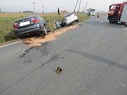 Střet dvou vozidel u Činova na Klatovsku.