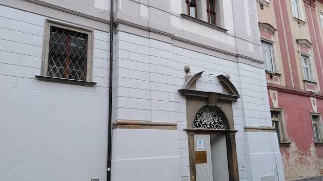 Městská knihovna Klatovy.