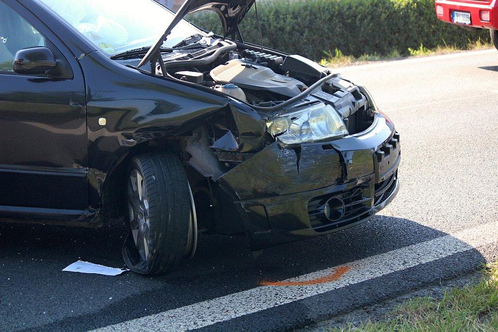 Nehoda u Běšin.