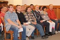 Předávání ocenění dárcům krve v Klatovech.