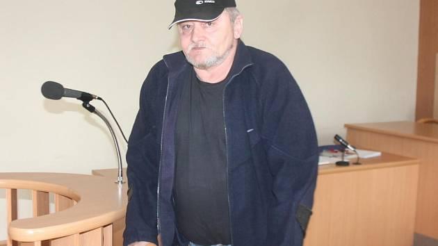 Milan Bělecký u klatovského soudu.