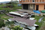 Vítr řádil i na Klatovsku  - v Pihovicích shodil střechu rodinného domu