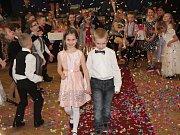 Školní ples v Janovicích nad Úhlavou.
