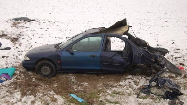 Při dopravní nehodě u Kokšína zemřela dvacetiletá dívka