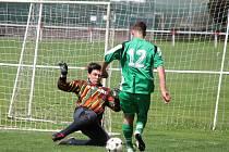 Klatovská Kapitol liga 2016: PS Křeč Mochtín (fialové dresy) - Tady a teď 5:1