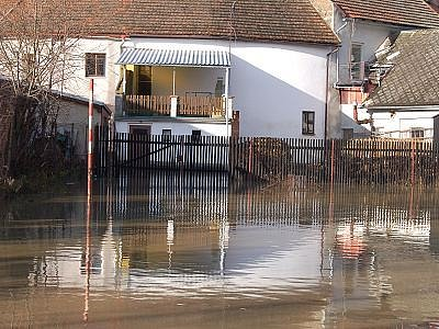 Zaplavený domek ve Svrčovci.