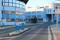 V Klatovské nemocnici začal platit zákaz návštěv.