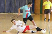 Kapitol liga: Mengy Team (modré dresy) - Goalissimo Nepomuk 6:3 a 4:5