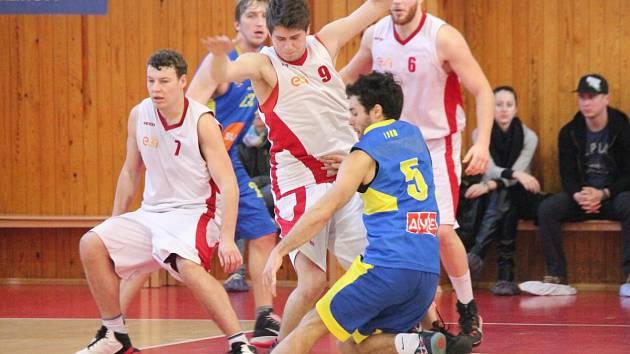 2. liga: BK Klatovy (bílé dresy) - Sluneta USK Ústí nad Labem 72:70