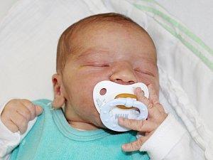 Kryštof Michalik ze Sušice (3690 g, 51 cm) se narodil v klatovské porodnici 19. března 19.51 hodin. Rodiče Hanka a Robin přivítali očekávaného syna na svět společně. Doma na něj čekají Dominik (14) a Ondřej (12).