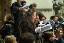 Program oslav 3. výročí klatovských katakomb pokračoval v jezuitském kostele.