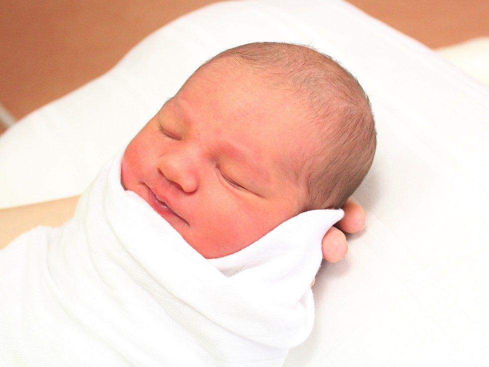 Sára Janečková z obce Oplot se narodila v klatovské porodnici 25. ledna v 12.28 hodin (3210 g, 47 cm). Pohlaví prvorozeného miminka věděli rodiče Petra a Luboš dopředu.