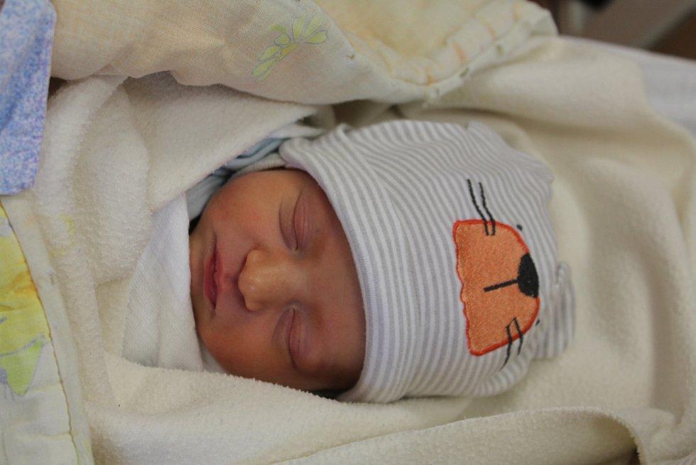 Sebastian Odvárka zKlatov se narodil vklatovské porodnici 13. července v6:01 hodin (2630 g, 49 cm). Pohlaví svého prvorozeného miminka věděli rodiče Lucie a Lubomír dopředu.