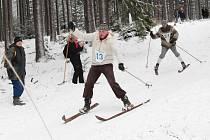 Sjezd z Pancíře na historických lyžích 2018.