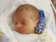 Jakub Čech zAnnína (3320 g, 51 cm) se narodil vklatovské porodnici 10. října ve 12.46 hodin. Rodiče Petra a Jiří si pohlaví miminka nechali jako překvapení. Na brášku se těší Linda (2).
